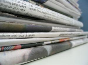 gazety_stos