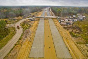 Budowa autostrady A1 o nawierzchni betonowej pomiędzy węzłami Woźniki i Pyrzowice. Fot. GDDKiA